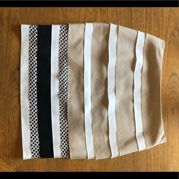 White House Black Market Dresses & Skirts - White/ Black Layered Skirt in perfect condition.